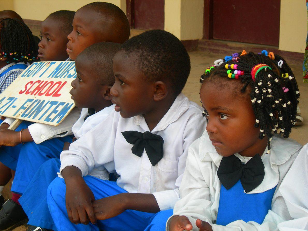 Camerun: costruzione di un auditorium